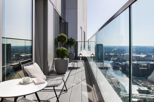 A Sneak Peek at New Show Apartments with Panoramic Views Launched at 10 Park Drive – 27.04.21