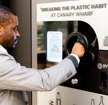 """Canary Wharf launches the first UK on-site Deposit Return Scheme as part of its """"Breaking the Plastic Habit"""" Campaign – 19.04.18"""