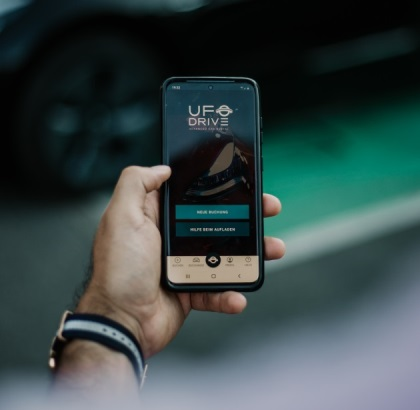Canary Wharf, London Welcomes Fully Electric, Contactless Car Hire Service UFODRIVE